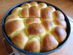 Raspberrybrunette: Pečené buchty Cooking Recipes, Breads, Anna, Food, Basket, Bread Rolls, Meal, Food Recipes, Chef Recipes