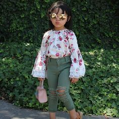 Time to step out in style! Here's a Fashionable outfit that's a perfect gift for your Baby girl. Spring Outfits, Girl Outfits, Fashion Outfits, Spring Clothes, Rudolph The Red, Red Nosed Reindeer, Cool Baby Stuff, Spring Collection, Age