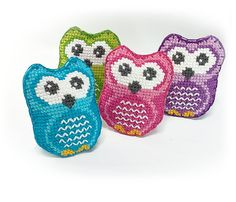 Owl. Brooches. Plushie. Felted. Embroidery. Cross stitch. Handmade. Etsy. https://www.etsy.com/listing/291307811/owl-brooch-pin-plush-animals-needle