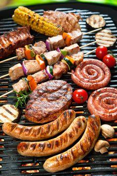 Calcula-se, em média, de 350 a 450 g de carne por pessoa