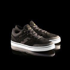 4053b53ba3 SERVANT Footwear EU Shop - VALLELY Signature