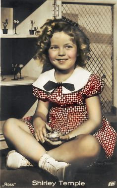 Shirly Temple, Old Hollywood, Hollywood Party, Hollywood Icons, Classic Hollywood, Temple Movie, Actors & Actresses, Idol, Movie Stars