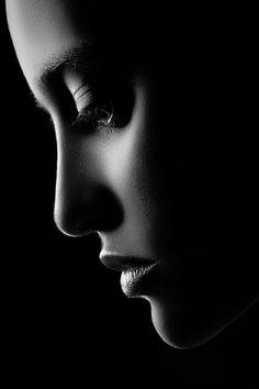 Ho imparato sin da bambina a non lasciarmi schiacciare dalle sconfitte ma non è mai stata così dura,mi manca terribilmente..............................I learned as a child to not let yourself be crushed by defeat but has never been so hard, I miss terribly
