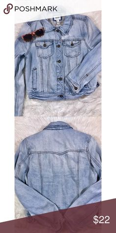 Forever 21 Light-Wash Cropped Denim Jacket Size large, but could fit smaller due to being cropped. Great condition; only worn once! Open to reasonable offers. ☺️ No trades please. 💞 **Remember, 15% off bundles of 2 or more!** Forever 21 Jackets & Coats Jean Jackets