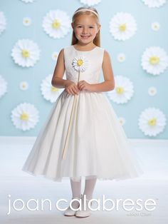 2016 Satin Tulle And Lace Tea Length A Line Dress With Soft Scoop Neckline Scattered Pearls And Lace On Satin Bodice Gathered Tulle Skirt Shoes Girls Teenage Bridesmaid Dresses From Liuliu8899, $133.51  Dhgate.Com
