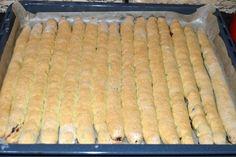 "Tort ""Cusma lui Guguta"" | MiremircMiremirc Macaroni And Cheese, Dairy, Cooking Recipes, Bread, Ethnic Recipes, Food, Mac And Cheese, Chef Recipes, Brot"