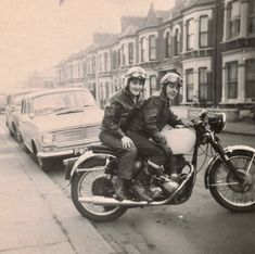 Classic Bikes, Vintage Motorcycles, My Ride, Old Pictures, Ted, Biker, Winter Jackets, Cafe Racers, Rockers