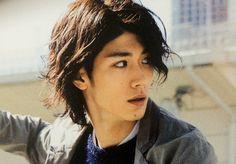 俳優 三浦春馬。 | **