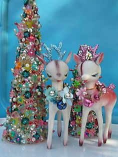 "cute deer & beaded tree... for a bit of that ""retro"" feel during the holidays!"