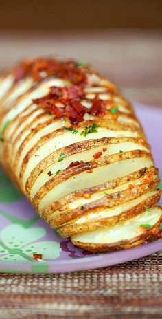 Hasselback Potatoes with bacon & parmesan. Easy hasselback potatoes at its best. Crazy delicious, quick and easy | rasamalaysia.com