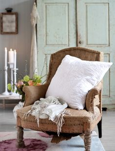 decor, interior, idea, rustic charm, shabby chic, seat, living simply, furnitur, old chairs