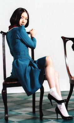 Perfume (JPN) &Girls — Spending all my time Asian Woman, Asian Girl, Perfume Jpop, Hermes Perfume, Japanese Girl Group, Pause, Cute Beauty, Japanese Models, Female Poses