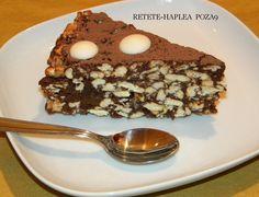 Acest tort ne-a uns pe suflet! E grozav… ce, nu ne credeţi? E musai să-l încercaţi Fiindcă nici nu ştiţi ce pierdeţi! Ce îţi trebuie (poza 1) – 500 gr de biscuiți – 100 ml de lapte – 2 plicuri de zahăr vanilat – 200 gr de unt la temperatura camerei – 100 gr de … My Recipes, Cooking Recipes, Romanian Desserts, Just Desserts, Baked Goods, Oatmeal, Sweet Treats, Cheesecake, Good Food