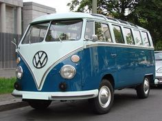 the classic 23 window Volkswagen Micro Bus an elegant solution to people moving, even if it was only two people! Volkswagen Transporter, Volkswagen Bus, Vw T1, Vw Caravan, Vw Camper, Campers, Honda Shadow, Dream Cars, Dream Pop
