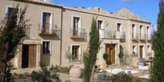 Casa la Siesta in Vejer de la Frontera is a luxurious lived-in villa surrounded by a lavender-scented landscape. Spanish Courses, Mr And Mrs Smith, Honeymoon Hotels, Cadiz, Spain, Villa, Around The Worlds, Mansions, Luxury