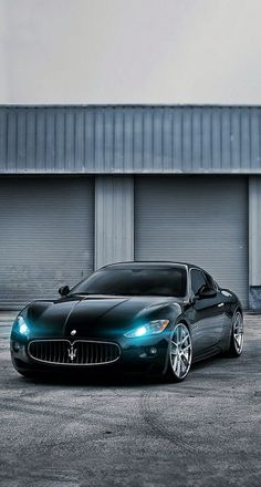 Maserati - The best luxury cars. Luxury sports cars are created to go fast. A flat and nice body design makes it even cooler. Like this car. Maserati Granturismo, Sexy Cars, Hot Cars, My Dream Car, Dream Cars, Maserati Gt, Carros Lamborghini, Sexy Autos, Mercedes Benz G