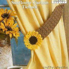 Pair of Curtain Tie Backs Diy Crochet Curtains, Crochet Curtain Pattern, Crochet Decoration, Crochet Home Decor, Crochet Sunflower, Crochet Flowers, Crochet Designs, Crochet Patterns, Crochet Ideas