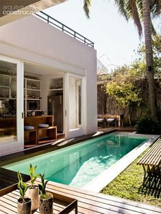 Swimming Pool Design - Something is missing when you own a big house without having a nice swimming pool at the backyard. It feels great to dive in your own pool. Small Swimming Pools, Small Pools, Swimming Pools Backyard, Swimming Pool Designs, Pool Landscaping, Backyard Pool Designs, Small Backyard Pools, Outdoor Pool, Outdoor Spaces
