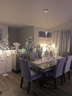 How do you style a Elegant Dining table? What is a good color for a Elegant Dining room? How do I make my Elegant Dining room cozy? Dining Room Decor Elegant, Luxury Dining Room, Dining Room Design, Cozy Living Rooms, Living Room Decor, Dining Room Walls, Room Decor Bedroom, Interior Design, Room Ideas