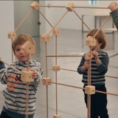 Ho encontramos posts relacionados Ideias Diy, Woodworking Toys, Kids Wood, Montessori Toys, Wooden Crafts, Wood Toys, Diy Toys, Handmade Toys, Educational Toys