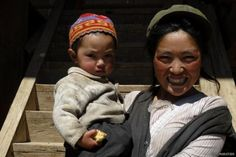 Mosso mother and child (Yunnan)