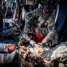 I am an American and I am alive today because someone else fought, bleed or died in my place. As long as there is a breath left in my body I will not let that sacrifice be in vain. Airborne Army, Combat Medic, 1st Responders, Ww2 Pictures, Wounded Warrior, American Freedom, Iraq War, War Photography, Army Vehicles