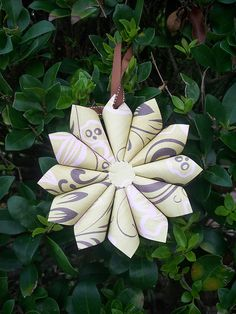 What a lovely take on a rolled paper ornament!