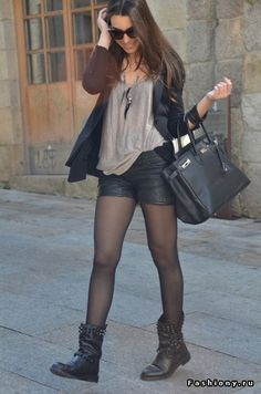 Leather shorts and black tights, perfect!