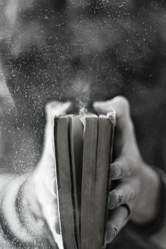 merveilleuse-photo-noir-et-blanc-photographie-épreuve-les-livres