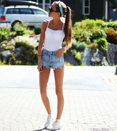 35 Beautiful street style summer shorts  hair pony tail