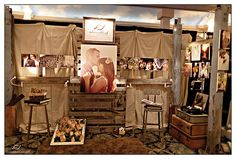 like the pallets and vintagy feel of Elizabeth's booth...her site has other pics of how she cleverly displayed items