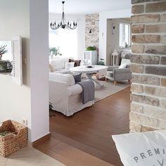 Dzień dobry! Jak tam nastroje? U mnie nawet dobrze 👌 tylko lista spraw, które codziennie muszę ogarnąć mnie przeraża 🙈 #hello #dziendobry #goodmorning #salon #livingroom #brick #cegła #walltiles #interior2you #interior444 #interior #interiordesign #interior9508 #interior4u #interior4all #interior125 #interior123 #interiør #interiørmagasinet #hjem #bolig #mlsblog