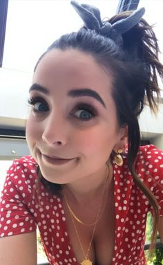 Zoe Sugg, Zoella, Role Models, My Best Friend, Youtubers, Bangs, Love Her, Pure Products, Celebrities