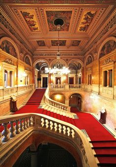 14 Opera Houses That Exude Radiant Old-World Charm