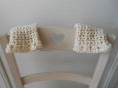 mitaines, chauffe-poignet réalisés au crochet laine écru