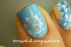 love polish: More Snowflake Nails. Fun for winter! Get Nails, Fancy Nails, Love Nails, How To Do Nails, Pretty Nails, Holiday Nails, Christmas Nails, Snowflake Nails, Snowflakes