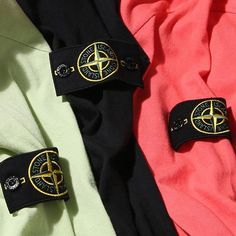 Stone Island's new arrivals have begun passing through our doors. Just in time too.  In our neck of the woods, we've seen the weather go from balmy mid 50s to a foot of snow in about a week's time.  That's when Stone Island's unparalleled innovation in textiles really comes in handy - link in bio. #stoneisland #bdgastore