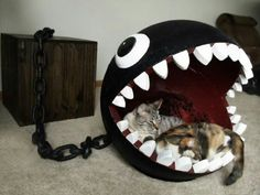 Cats Toys Ideas - This is a combination of cat bed and storage chest based on the Chain Chomp character from the Super Mario Bros. I own a cat furniture company - Ideal toys for small cats Deco Gamer, Geek Home Decor, Video Game Rooms, Video Game Decor, Video Games, Video Game Bedroom, Ideal Toys, Gamer Room, Nerd Room