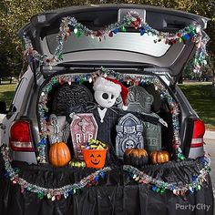 Jack Skellington Trunk or Treat Idea - Trunk or Treat Ideas - Halloween Party Ideas - Holiday Party Ideas - Party Ideas - Party City Halloween Town, Halloween Car Decorations, Nightmare Before Christmas Decorations, Halloween Stories, Nightmare Before Christmas Halloween, Scary Halloween, Halloween Treats, Halloween Sewing, Halloween Outfits