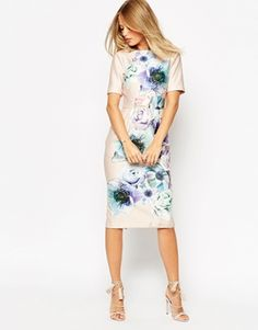 Vestido de efecto movimiento con estampado floral con tonos de acuarela de ASOS