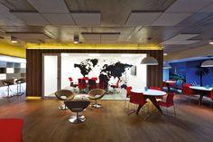 ST Arquitetura e Consultoria: Escritório da escola de idiomas EF Education First, São Paulo - Arcoweb