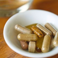 Great article on probiotics and how to pick probiotic supplements. Best Probiotic, Probiotic Foods, Fermented Foods, Probiotic Supplements, Healthy Habits, Healthy Choices, How To Stay Healthy, Healthy Life, Healthy Living
