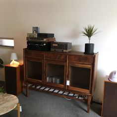 夏 대구 : 네이버 블로그 Cafe Interior, Room Interior, Home Interior Design, Aesthetic Rooms, My Room, Furniture Decor, Sweet Home, Room Decor, Muji