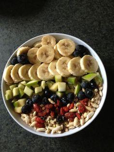 Vegan Breakfast Bowl - Bananas, Golden delicious apples, Blueberries, Goji berries  almonds