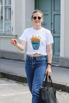 tifmys – Shirt: Ganni | Jeans: H&M | Bow Slippers: Miista | Bag: Céline Cabas Belt | Sunnies: Ray Ban Round Metal | Watch: Larsson & Jennings | Earrings: Asos