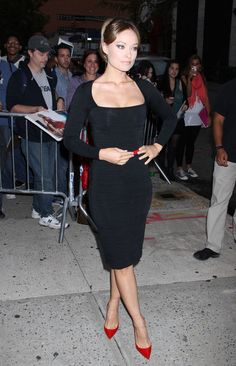 Olivia Wilde Photos - 'The Longest Week' actress Olivia Wilde arrives at 'The Daily Show with Jon Stewart' in New York City, NY on September 26th, 2012. - Olivia Wilde Visits 'The Daily Show'