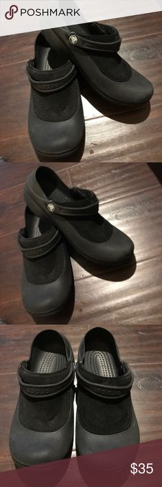 Crocs Water sandals size 9 Looks nice has some used but overall looks good, CROCS Shoes Mules & Clogs