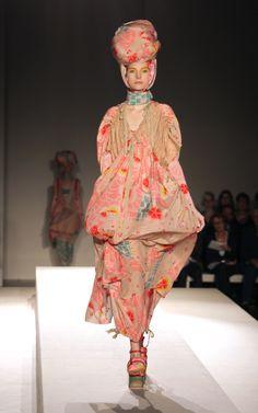 KENZO - V Fashion in Motion, November 2010
