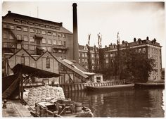 Amsterdam, ca. juni 1931. Westerdok, gezien van brug Zoutkeetsgracht naar achterzijde Barentszplein en Westerdoksdijk.