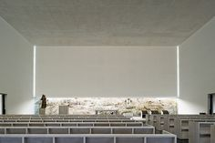 Arquitectura religiosa y minimalismo blancos, por João Luís Carrilho da Graça | Interiores Minimalistas